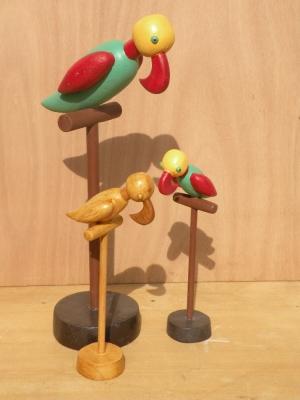 Perroquets sur Perchoirs
